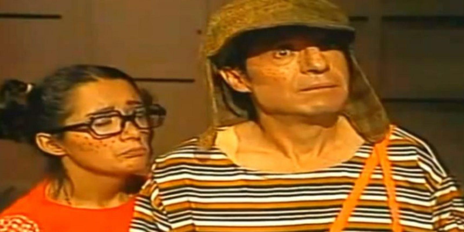 Don Ramón le ofrece una torta de jamón. Pero no se la puede dar porque dice que no sabe dónde conseguirla. Este fue uno de los episodios icónicos de la serie que marcó a millones en Latinoamérica, España y Estados Unidos. Foto:Televisa/Youtube