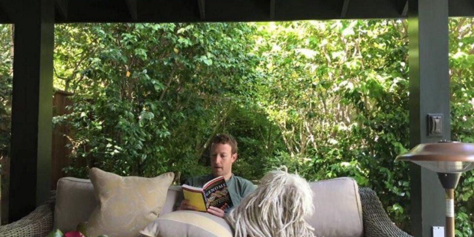 Conozcan al perro del dueño de Facebook. Foto:facebook.com/zuck