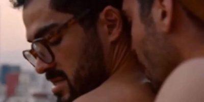 """""""Lito"""" mantine un romance con """"Hernando"""", quien es interpretado por Alfonso Herrera. Foto:Netflix"""