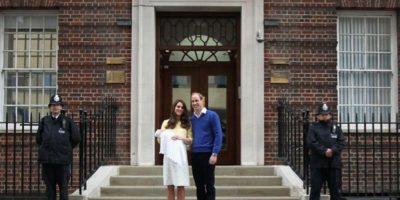 Las primeras fotos de la princesa Charlotte fueron tomadas cuando apenas tenía dos semanas de nacida. Foto:Getty Images