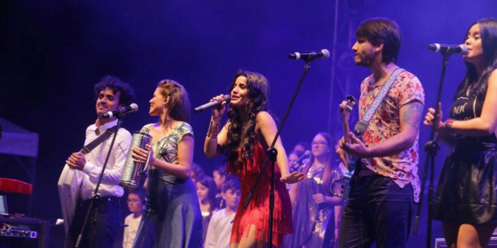 El show del encendido estuvo a cargo de Martina la Peligrosa y Puerto Candelaria. Foto:Cortesía EPM