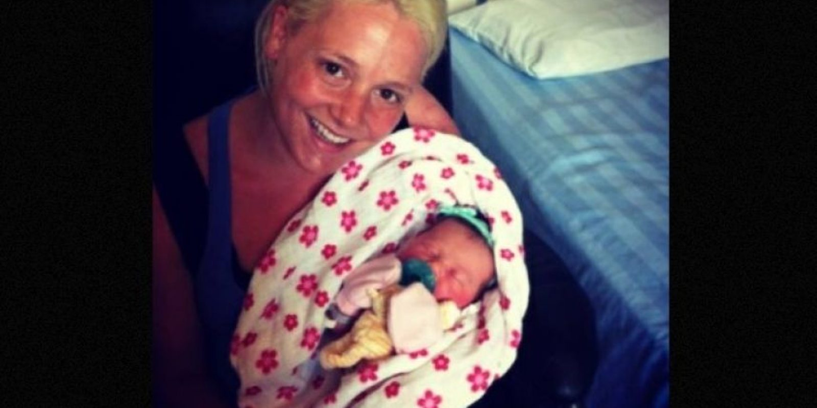 Un grupo de adolescentes de Canadá ayudaron a la policía a capturar a una mujer que había robado a una bebé recién nacida. La criminal de 21 años se vistió como enfermera y tomó a una niña del hospital donde fingía trabajar. Foto:Vía Facebook