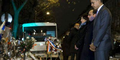 Así fue la sorpresiva visita de Barack Obama al Bataclan Foto:AP