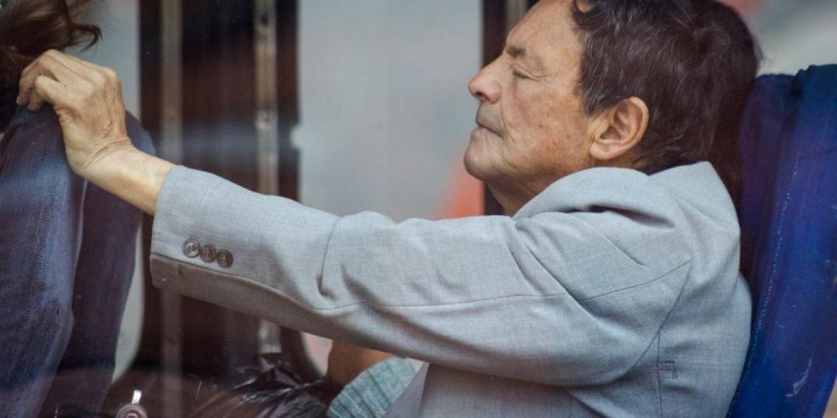 Fotorreportaje: Bogotanos tomando la siesta en el bus