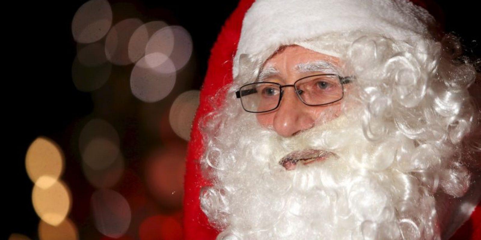 El disfraz de Santa le sirvió un hombre para lograr robar un helicóptero. Foto:Getty Images