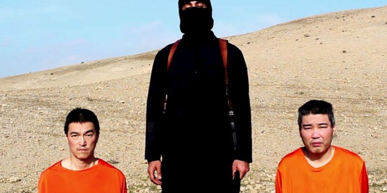 Haruna Yukawa (derecha), ciudadano japonés secuestrado por el Estado Islámico. Foto:AP