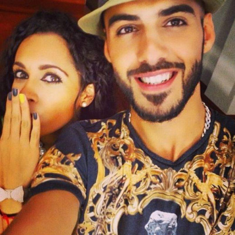 4. Aquí disfrutando de un viernes con una de sus amigas. Foto:Vía Instagram/omarborkan