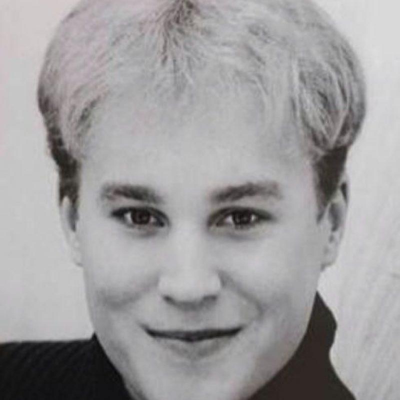 Murió en Los Ángeles. Se gastó 100 mil dólares en cirugías para parecerse al cantante canadiense. Foto:vía Facebook