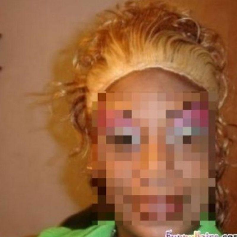 3. Otras consecuencias desastrosas son que algunas mujeres no soportan los químicos de los tintes, por lo que sufren pérdida de cabello. Foto:Pinterest