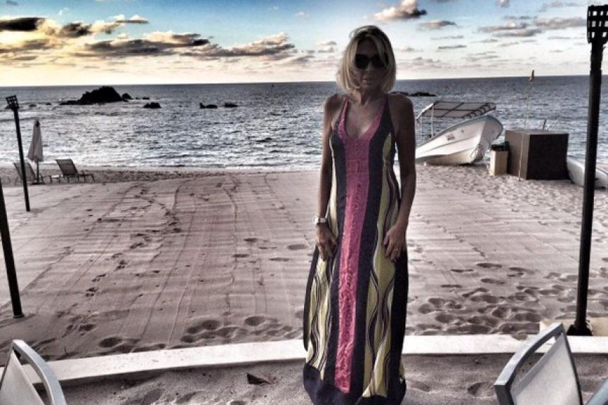 Laura suele viajar y no solo a las playas mexicanas. Foto:vía twitter.com/laurabozzo
