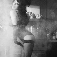 Aunque conserva su figura, para algunos usuarios de las redes sociales, en estas fotos no luce tan sexy como en sus años de fama. Foto:vía instagram.com/lovemagazine
