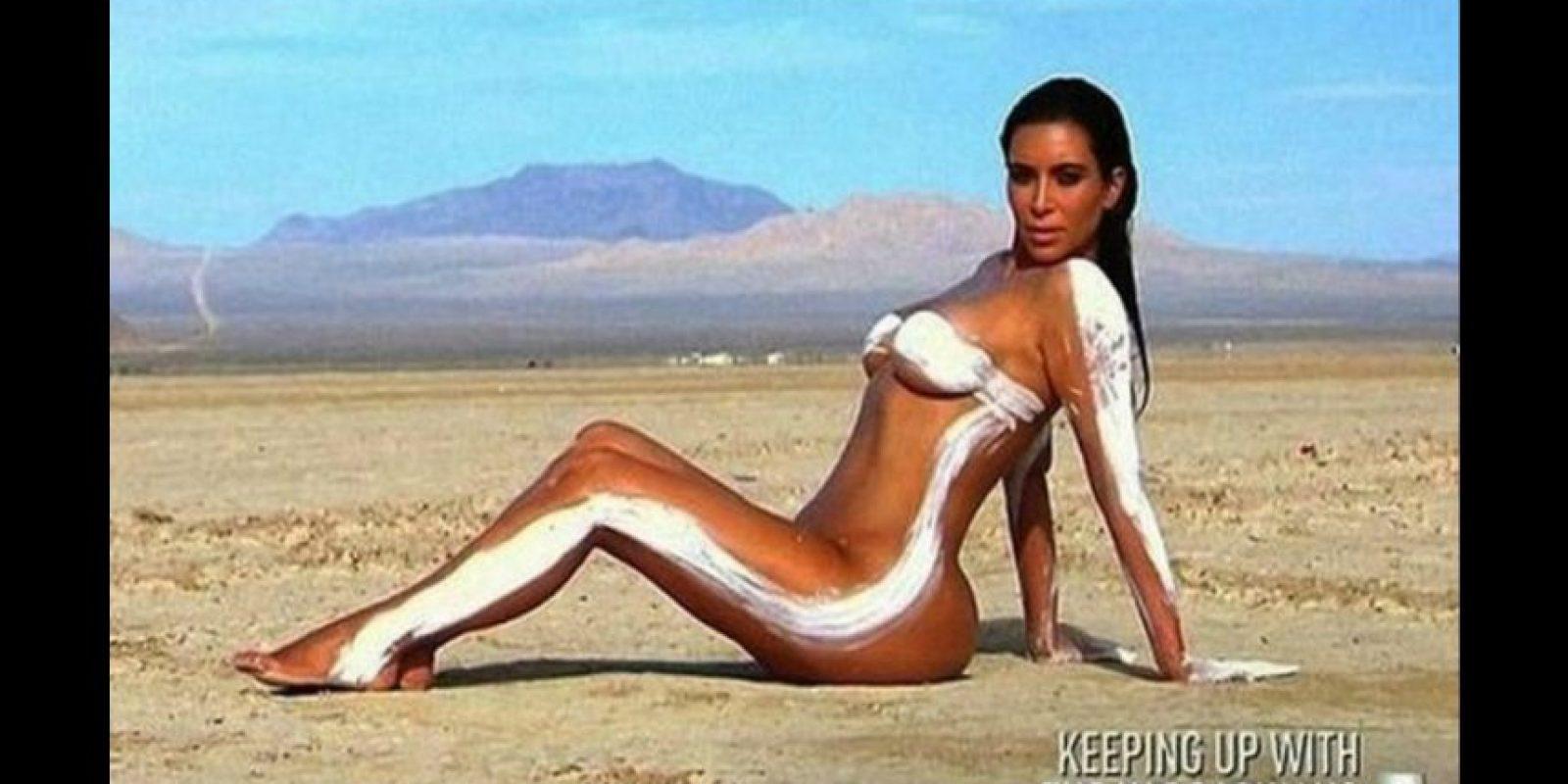 """Esta imagen corresponde al """"making off"""" de la sesión de fotos que apareción en el reality show Foto:""""Keeping Up With The Kardashian"""""""