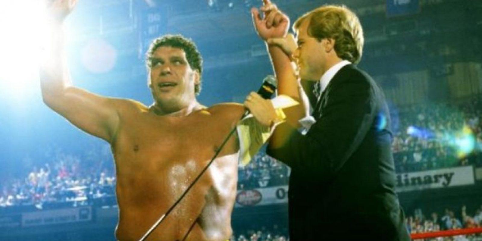 2. Andre el Gigante. The Main Event de 1998. Venció a Hulk Hogan, pero el réferi levantó las manos a ambos, dejando el título vacante Foto:WWE