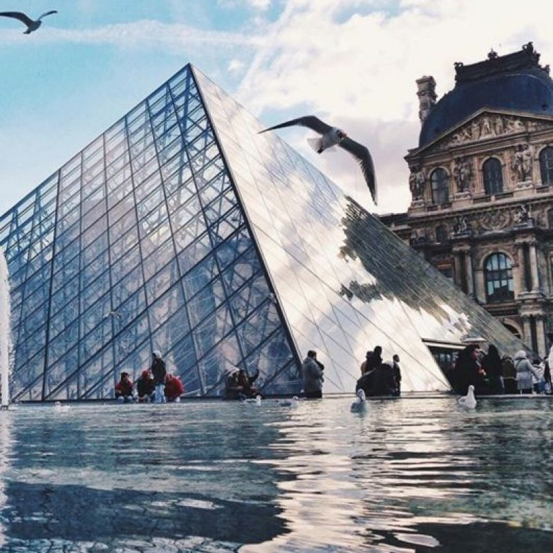 Museo Louvre de París, Francia. Foto:vía instagram.com/sezyilmaz