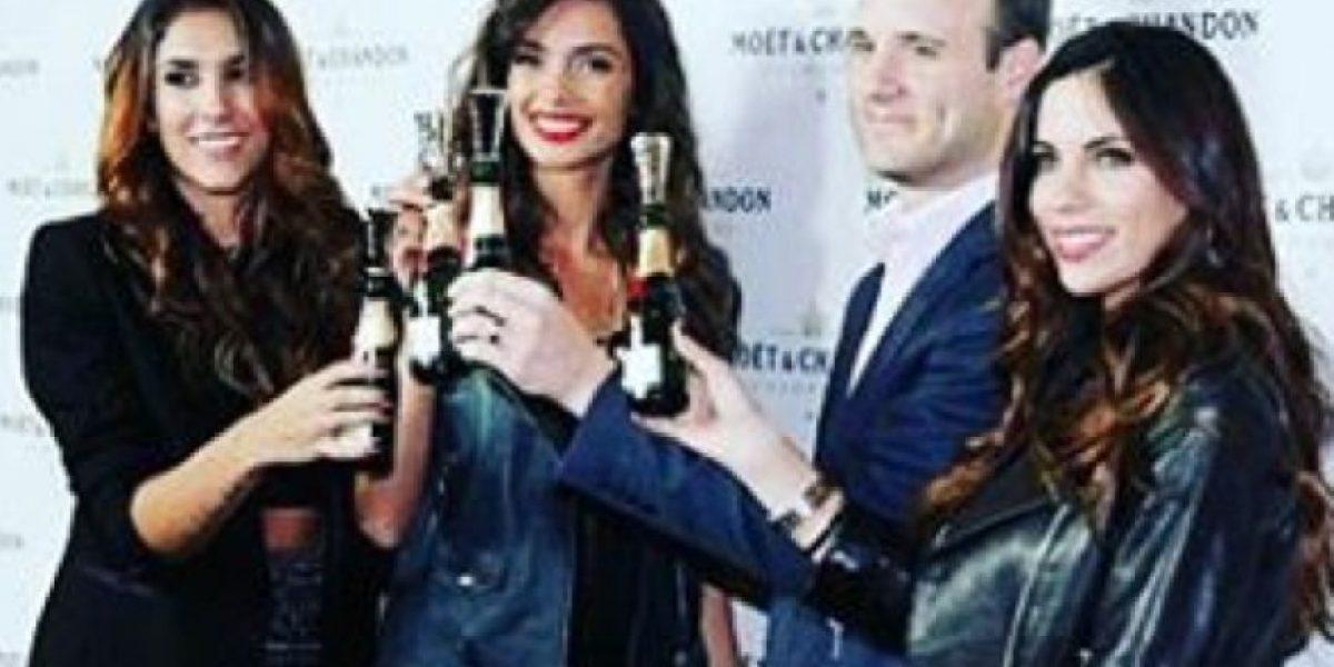 Daniela Ospina se va de fiesta con las novias de los futbolistas del Barça