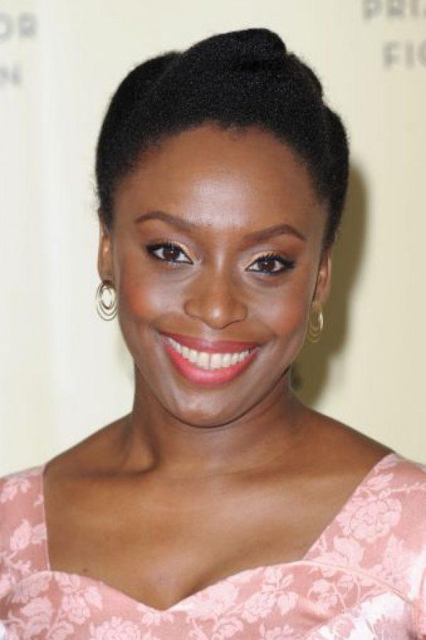 """La novelista nigeriana también critica la masculinidad moderna, llamándola """"una dura jaula"""". Foto:Getty Images"""