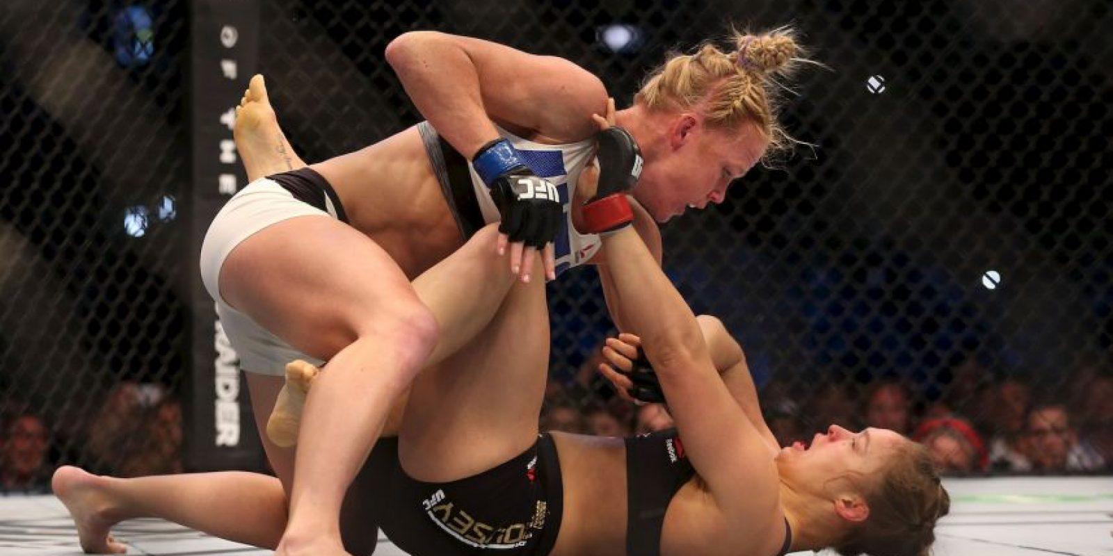 Holly Holm fue la primera mujer que venció a Ronda Rousey en las artes marciales mixtas Foto:Getty Images