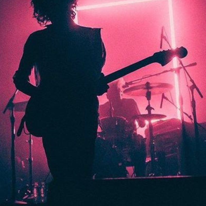 9.- Menswear (The 1975). Foto: Instagram