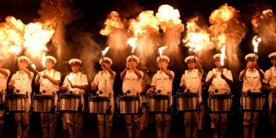 Banda naval india practica para las celebraciones del Día de la Marina. Foto:AFP