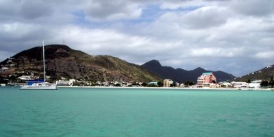 Aquí podrán disfrutar del clima en la playa y realizar compras libres de impuestos. Foto:Vía Wikipedia.org