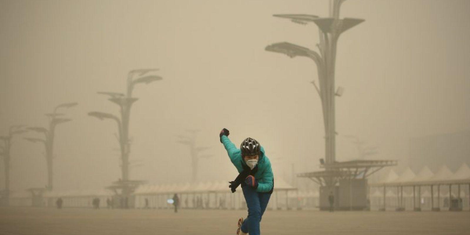 Mientras tanto sus habitantes intentan realizar las vida con normalidad Foto:Getty Images