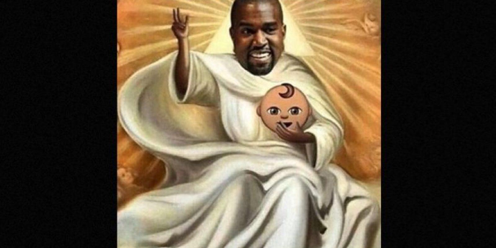 """Y Kanye West es apodado """"Yeezus"""" por el disco que lanzó en 2013 con este nombre. Foto:Twitter"""