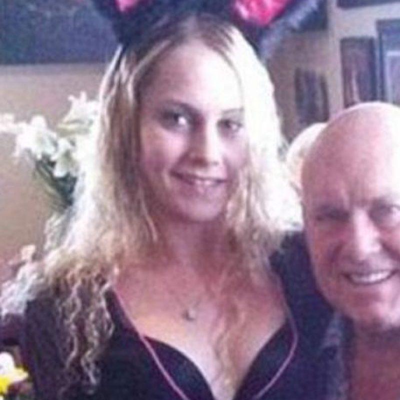 Monroe junto a Dennis Hof, el dueño del lugar que se ubica en Las Vegas, Nevada Foto:Vía facebook.com/LoveRanchNorth