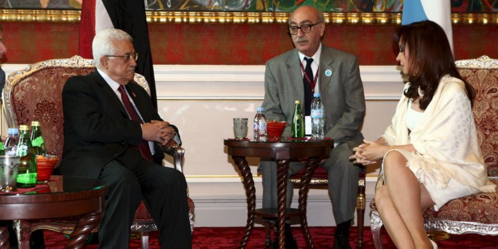 2009 en Qatar, con el jefe de la autoridad Palestina, Mahmud Abbas Foto:Getty Images