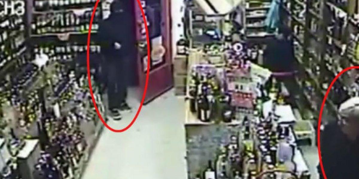 El ladrón más cobarde del mundo: Intentó robar una tienda y un anciano lo asustó