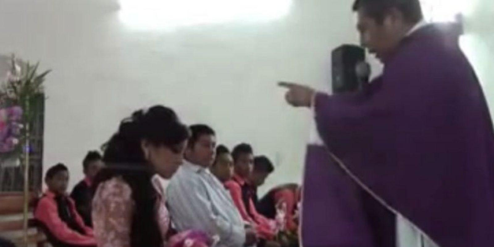 Los padres de la menor se mostraron molestos por la agresión. Foto:Captura de pantalla