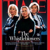 2002- Los denunciantes: Cynthia Cooper de Worldcom, Coleen Rowley del FBI y Sherron Watkins de Enron. Estas revelaron el mayor fraude contable de la historia de Estados Unidos. Foto:Vía Time