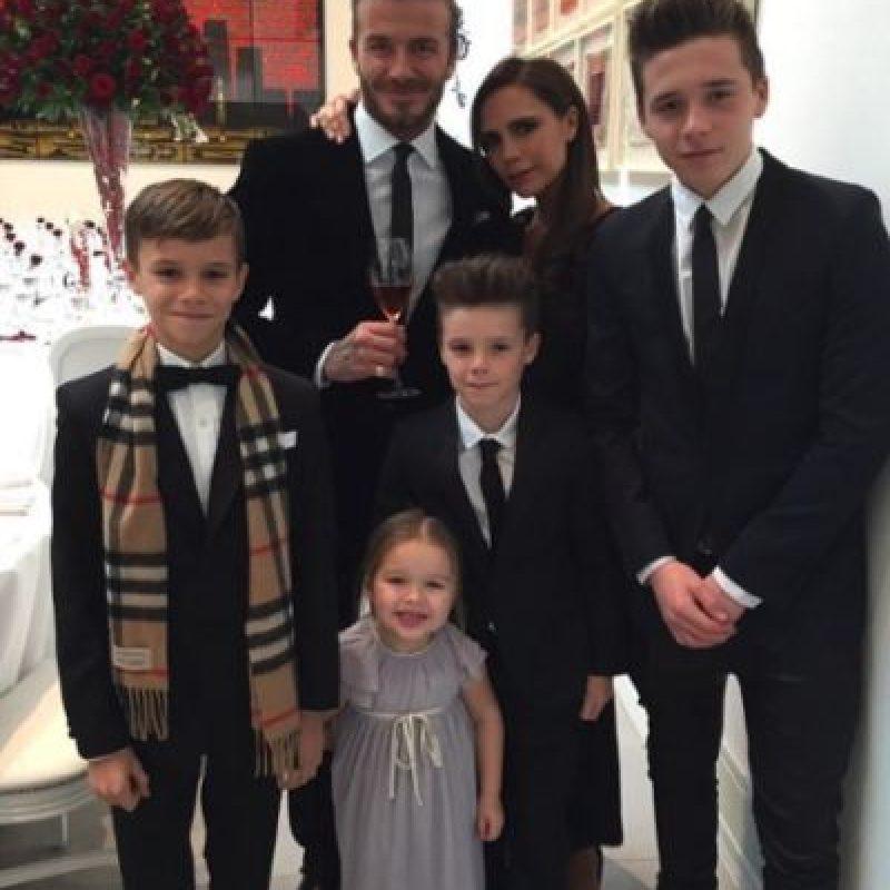 Ahora tienen cuatro hijos: Brookly, Romeo, Cruz y Harper. Foto:vía instagram.com/victoriabeckham