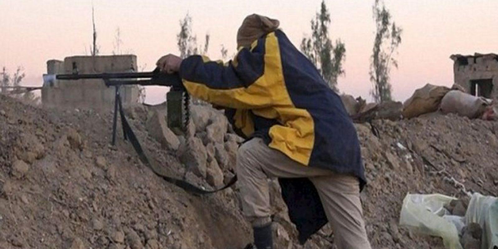 Amnistía Internacional utilizó los videos y fotografías compartidos por ISIS para calcular su arsenal Foto:Twitter.com – Archivo