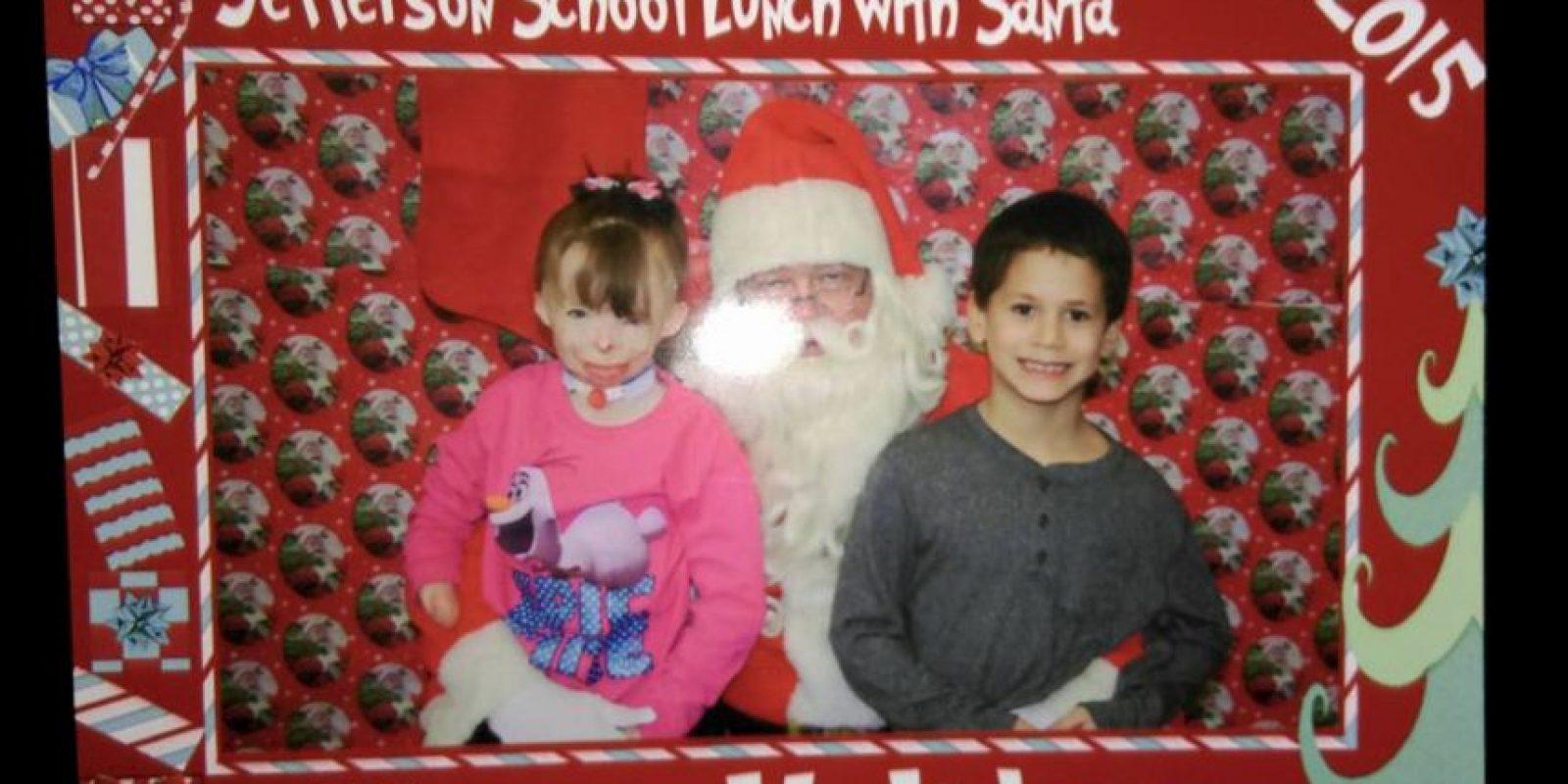 Este año ella no quiere regalos. Solo tarjetas. Foto:Vía facebook.com/Schenectadyssupersurvivor