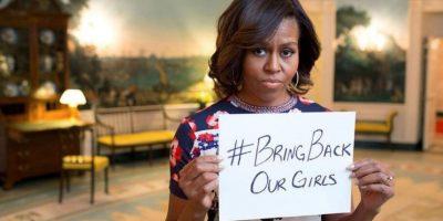 #BringBackOurGirl, en esta la primera se unió para pedir por las niña secuestradas en Nigeria por un grupo terrorista. Foto:Vía instagram.com/michelleobama/