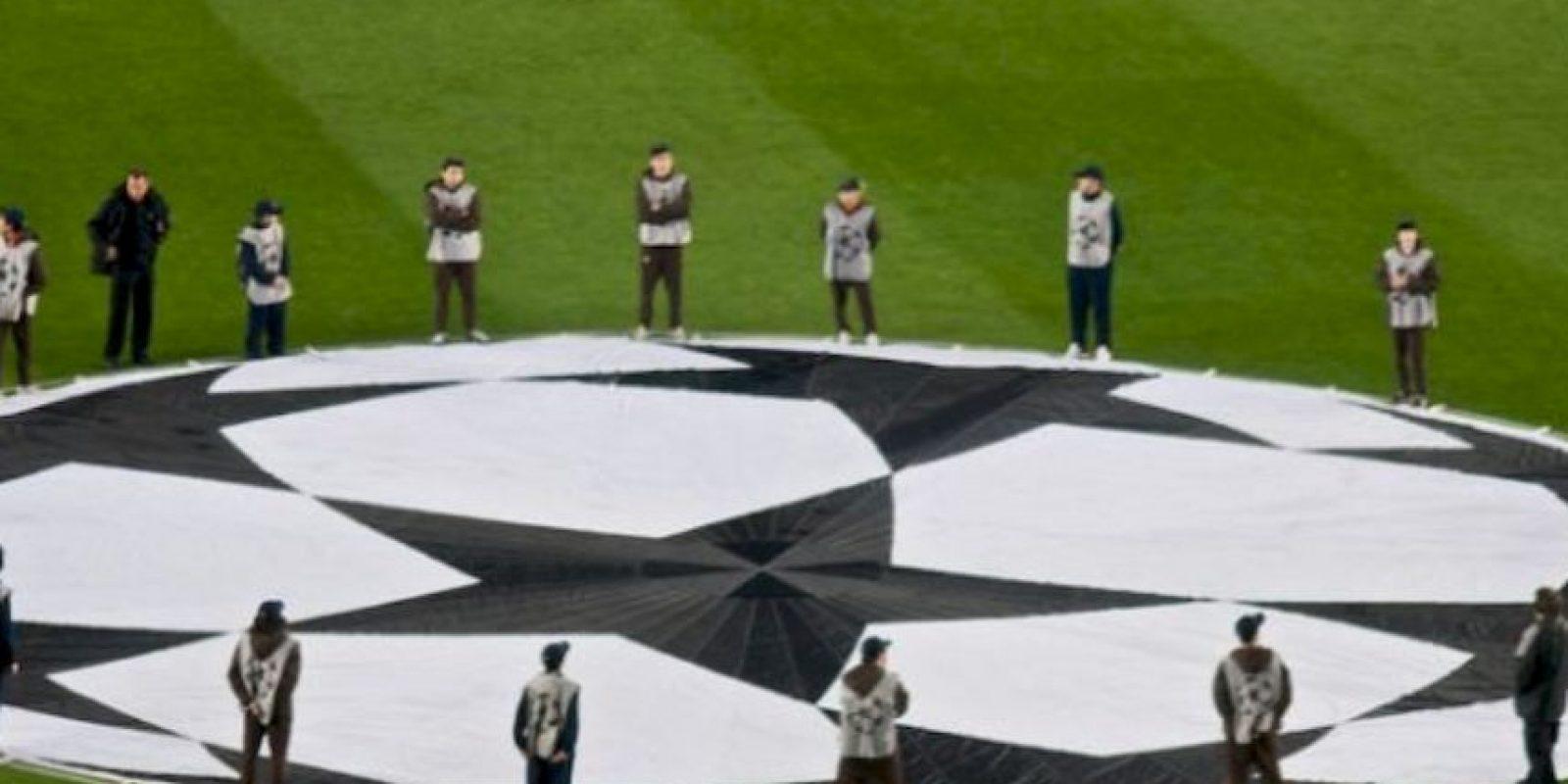 Todos los clubes que juegan la fase de grupos ganan 12 millones de euros, más 500 mil euros por empate y 1.5 millones de euros por triunfo, además de 5.5 millones por clasificar a octavos de final Foto:Getty Images