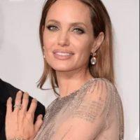 Brad Pitt le entregó a Angelina Jolie un hermoso anillo de 16 quilates. Foto:Getty Images