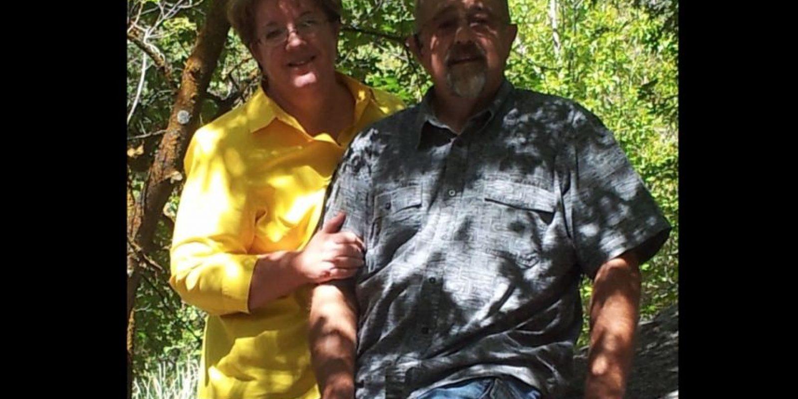 Kathy Ford hizo público el momento en que Darilyn y Sean Merrillle entregaron el auto a su marido. Foto:Vía facebook.com/kathy.ford.
