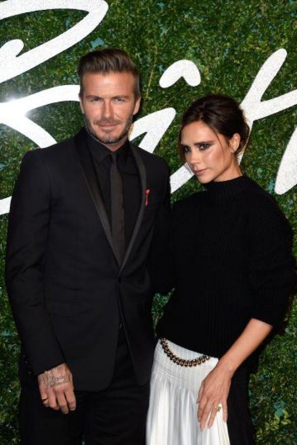El anillo de Victoria Beckham es tres quilates en forma de corazón. ¿Su valor? Un millón de dólares. Foto:Getty Images
