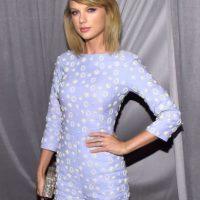 """10. En 2012, el sitio """"Hollywood Life"""" indicó que Taylor se había operado sus bubis. Foto:Getty Images"""