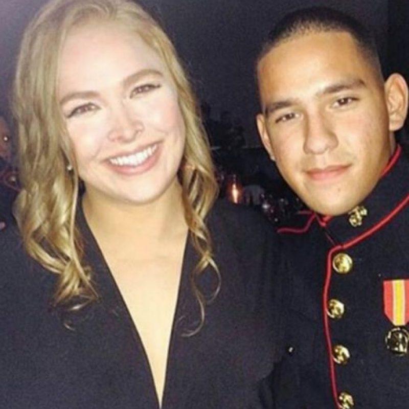 """Jarrod Haschert la invitó vía YouTube el pasado mes de septiembre, y tuvo a """"Rowdy"""" como acompañante. Foto:Vía instagram.com/rondarousey"""