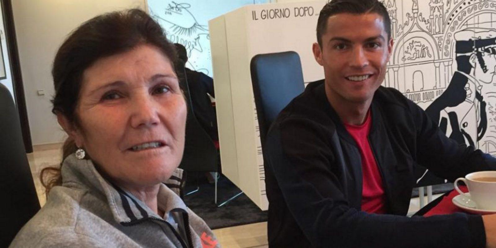 Fue la madre del Balón de Oro quien dio a conocer la noticia a través de Instagram. Foto:Vía instagram.com/doloresaveirooficial
