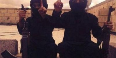 A través de redes sociales, ISIS ha difundido imágenes de bebés y niños vestidos como yihadistas o como sus militantes. Foto:Twitter.com – Archivo