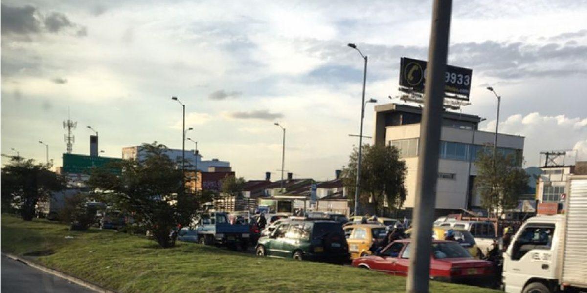 Monumental trancón en las Américas por accidente de moto