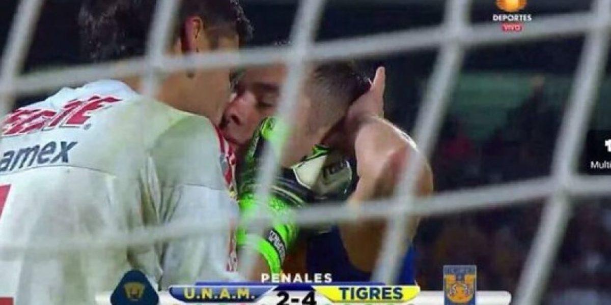 """Los 13 besos más """"candentes"""" e inesperados de los futbolistas"""