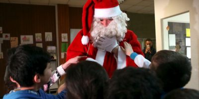 Más imágenes conmovedoras: Así fue la visita de Santa a un campo de refugiados Foto:Getty Images