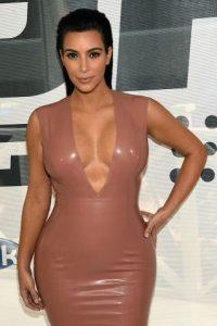Kim Kardashian encontró un método extraño para librarse de la depresión posparto. Foto:Getty Images