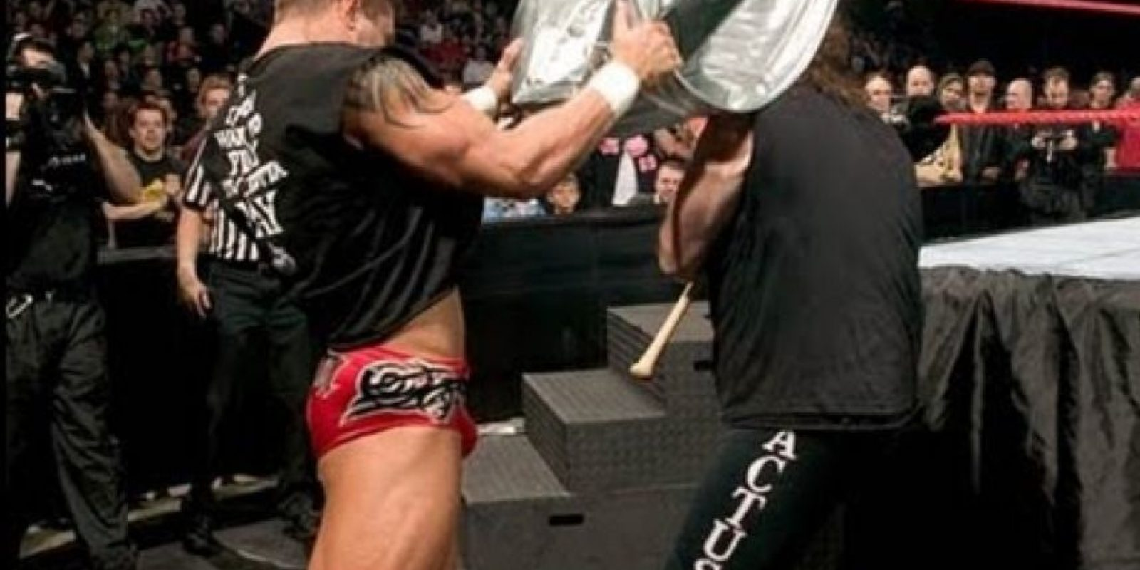 Randy Orton vs Mick Foley, en Backlash 2004 Foto: WWE