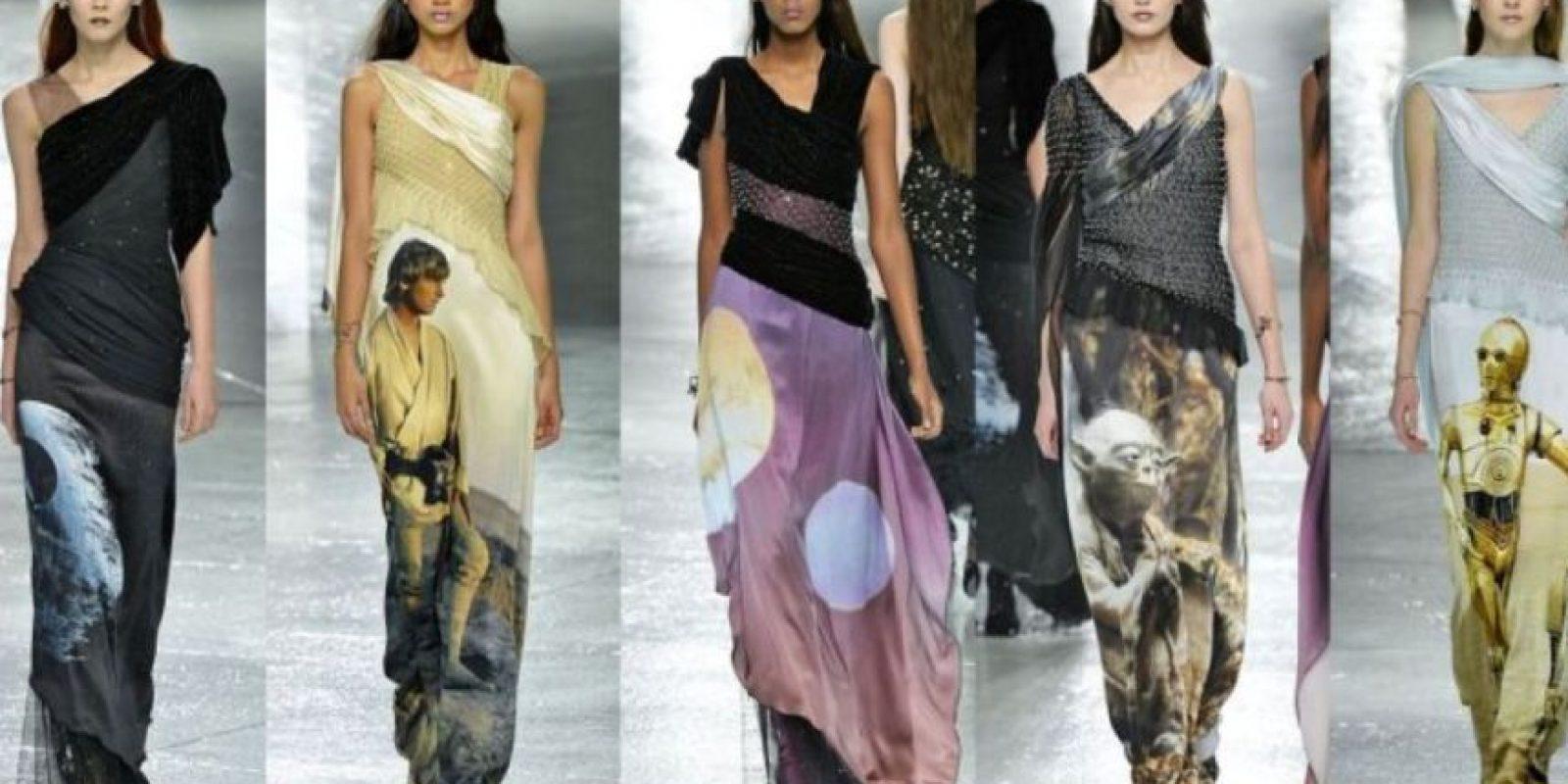 Muy acorde con la tendencia futurista que ha imperado en los últimos dos años. Foto:vía Vogue Runway