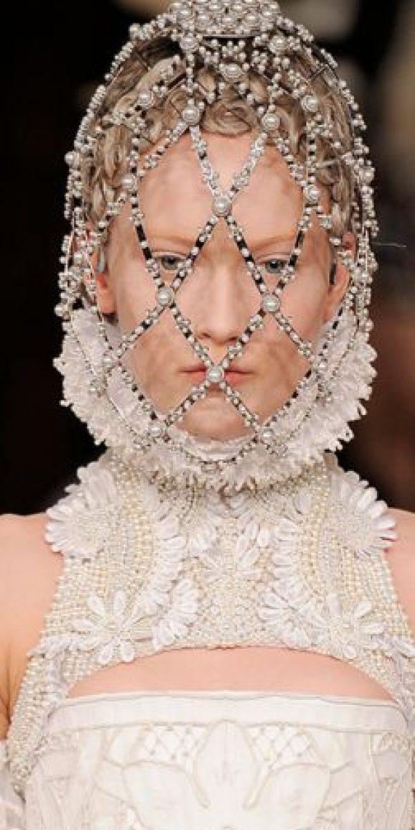 Givenchy inspiró sus tocados para el rostro en el vestido de boda de Amidala. Foto:vía Getty Images